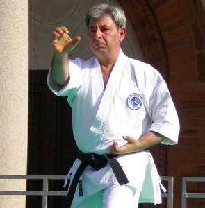Il nostro maestro Maurizio Fabrizio mentre esegue un Kata